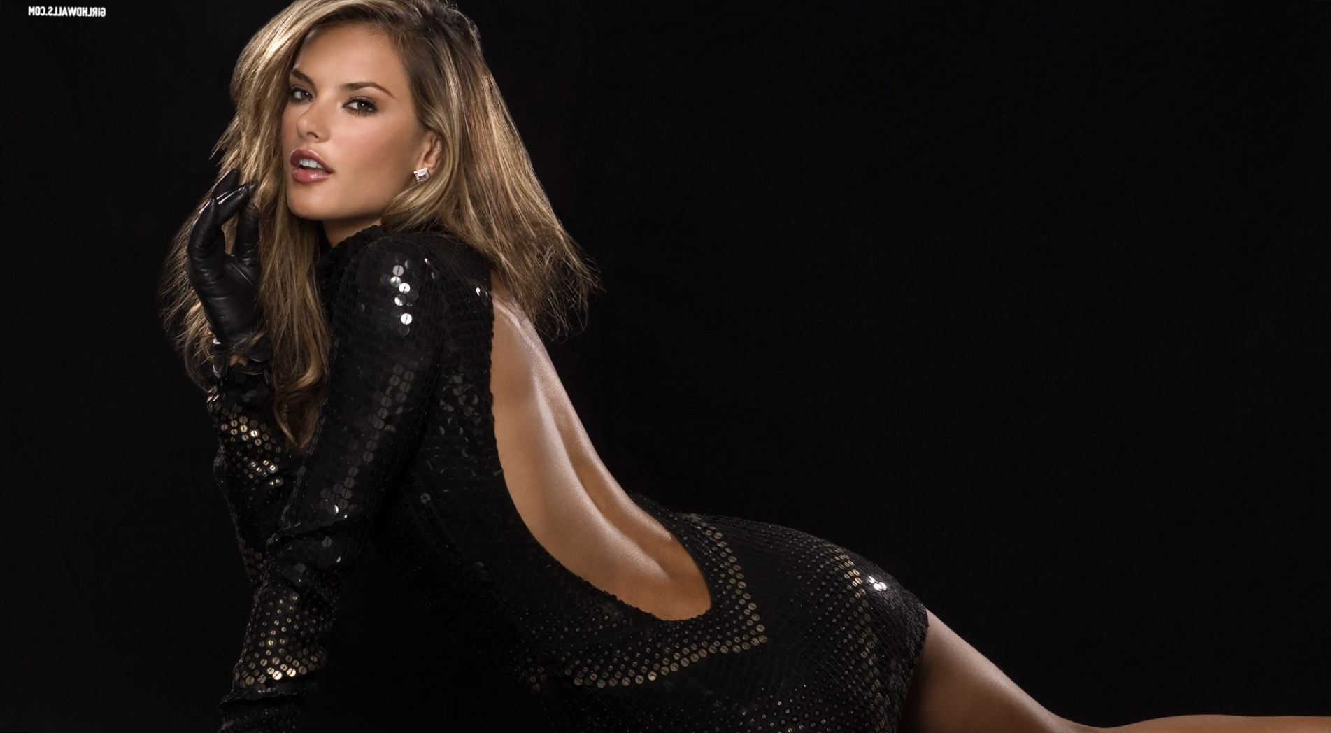 Alessandra Ambrosio Height, Weight and Body Measurements