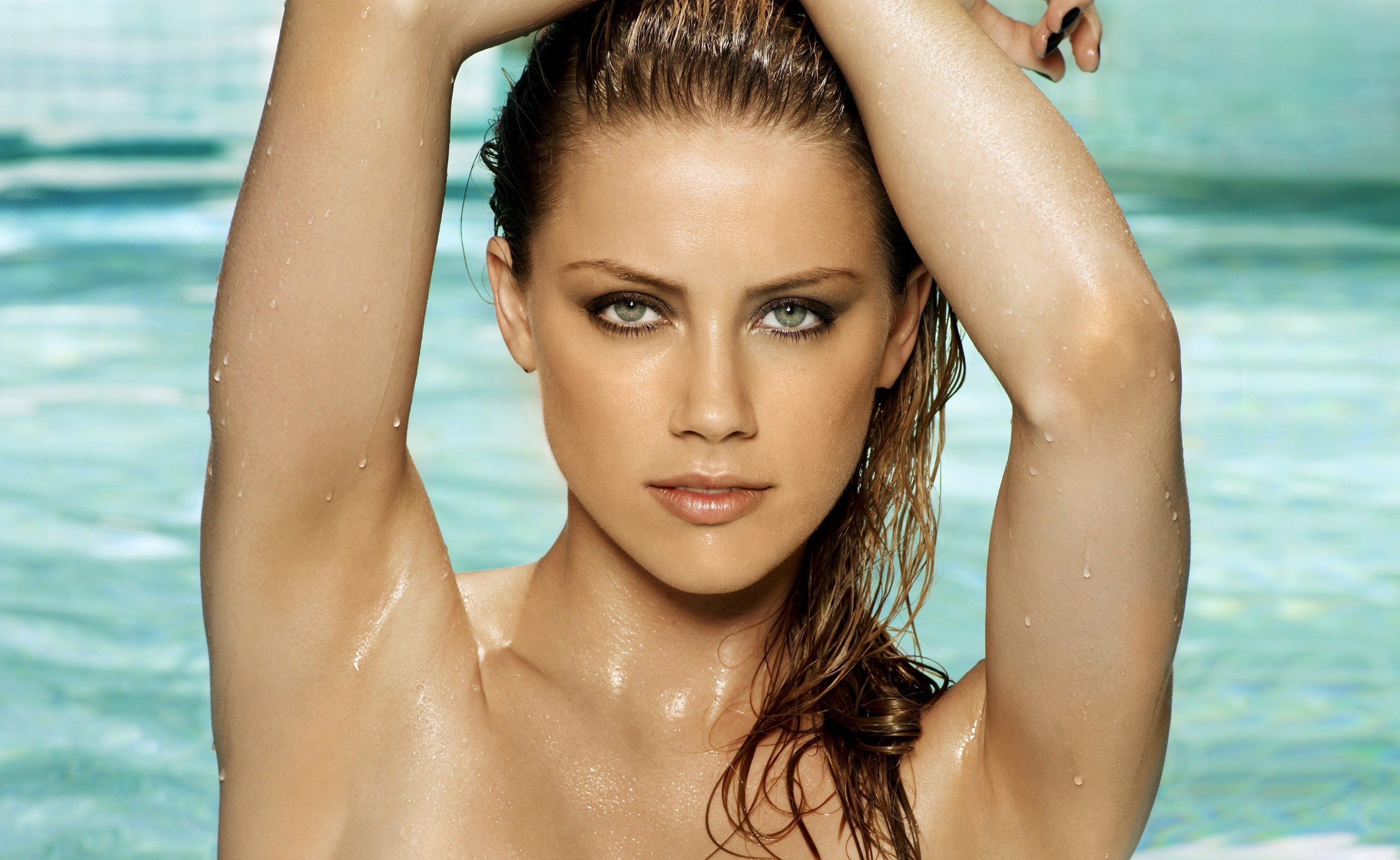 Amber Heard - Height, Weight and Body Measurements