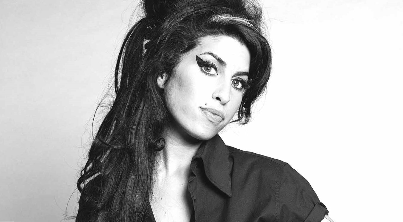 amy winehouse u0026 39 s body measurements  height  weight  age