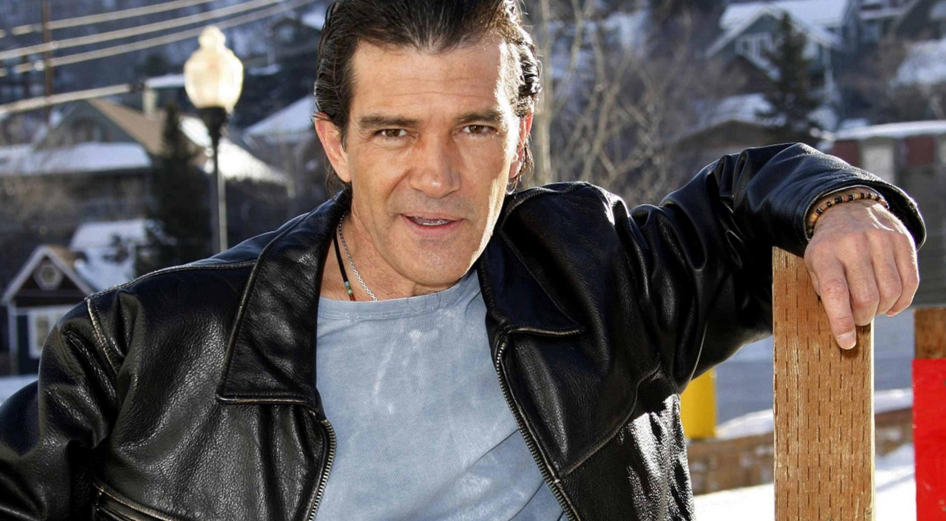 Antonio Banderas  Height, Weight and Body Measurements
