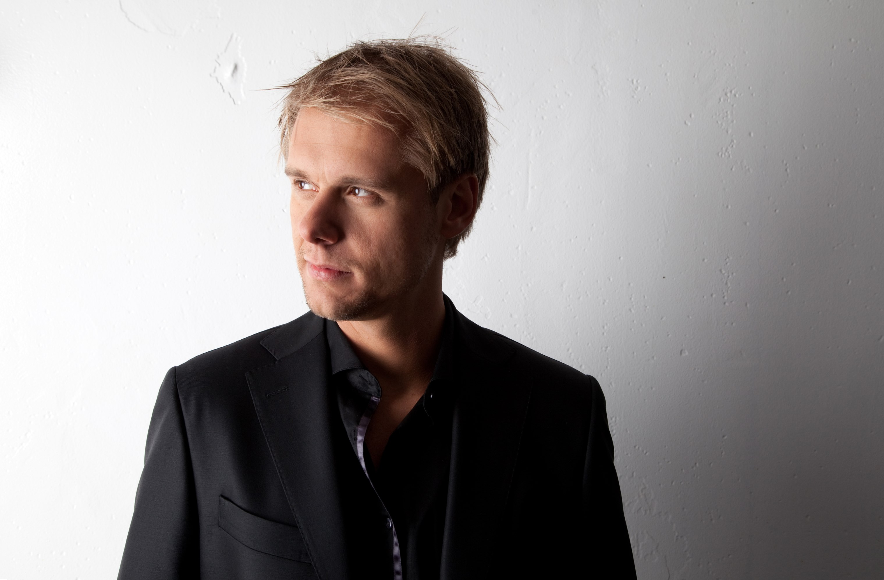 Armin Van Buuren  Height, Weight and Body Measurements