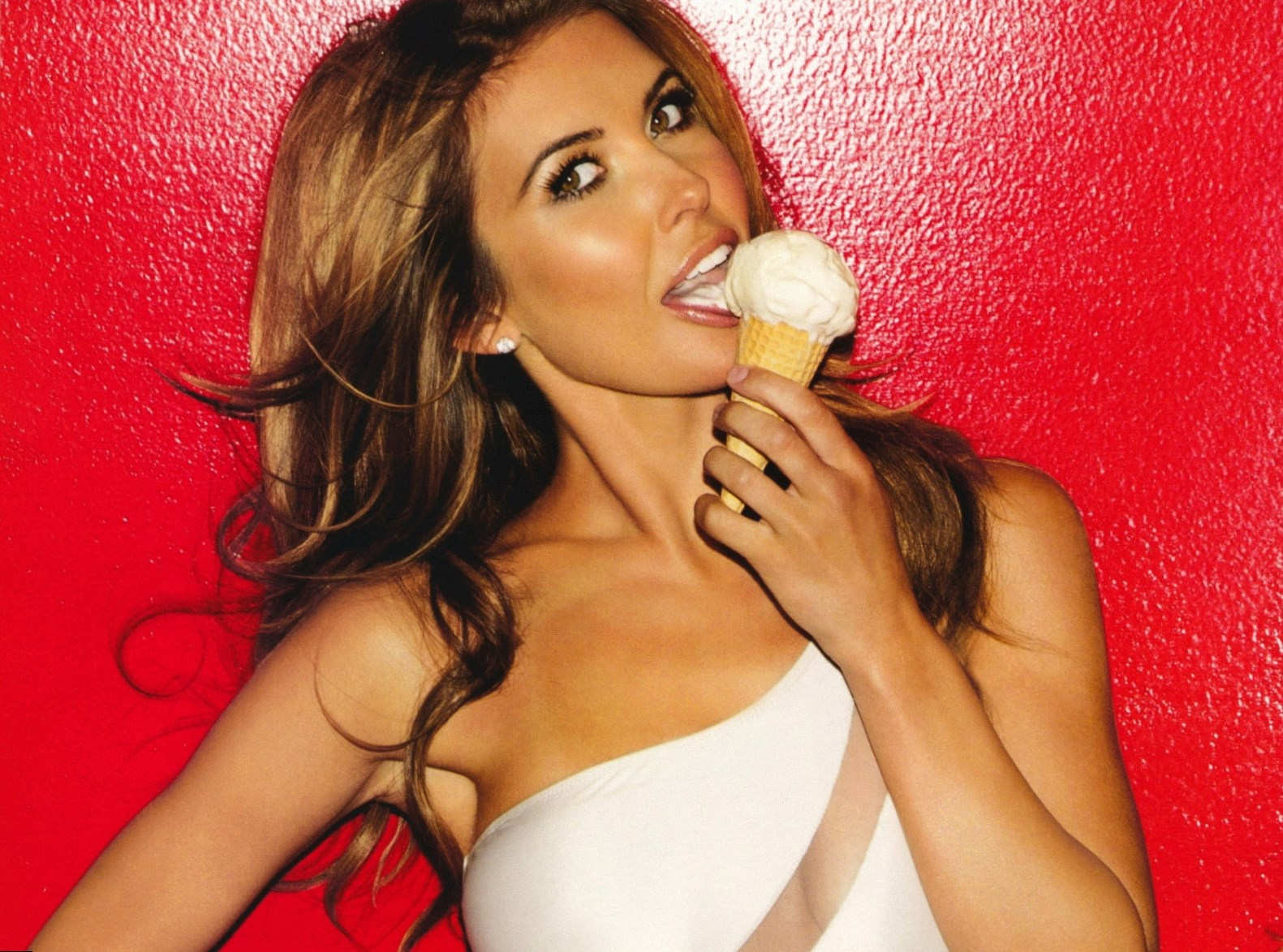 Audrina Patridge Height, Weight and Body Measurements
