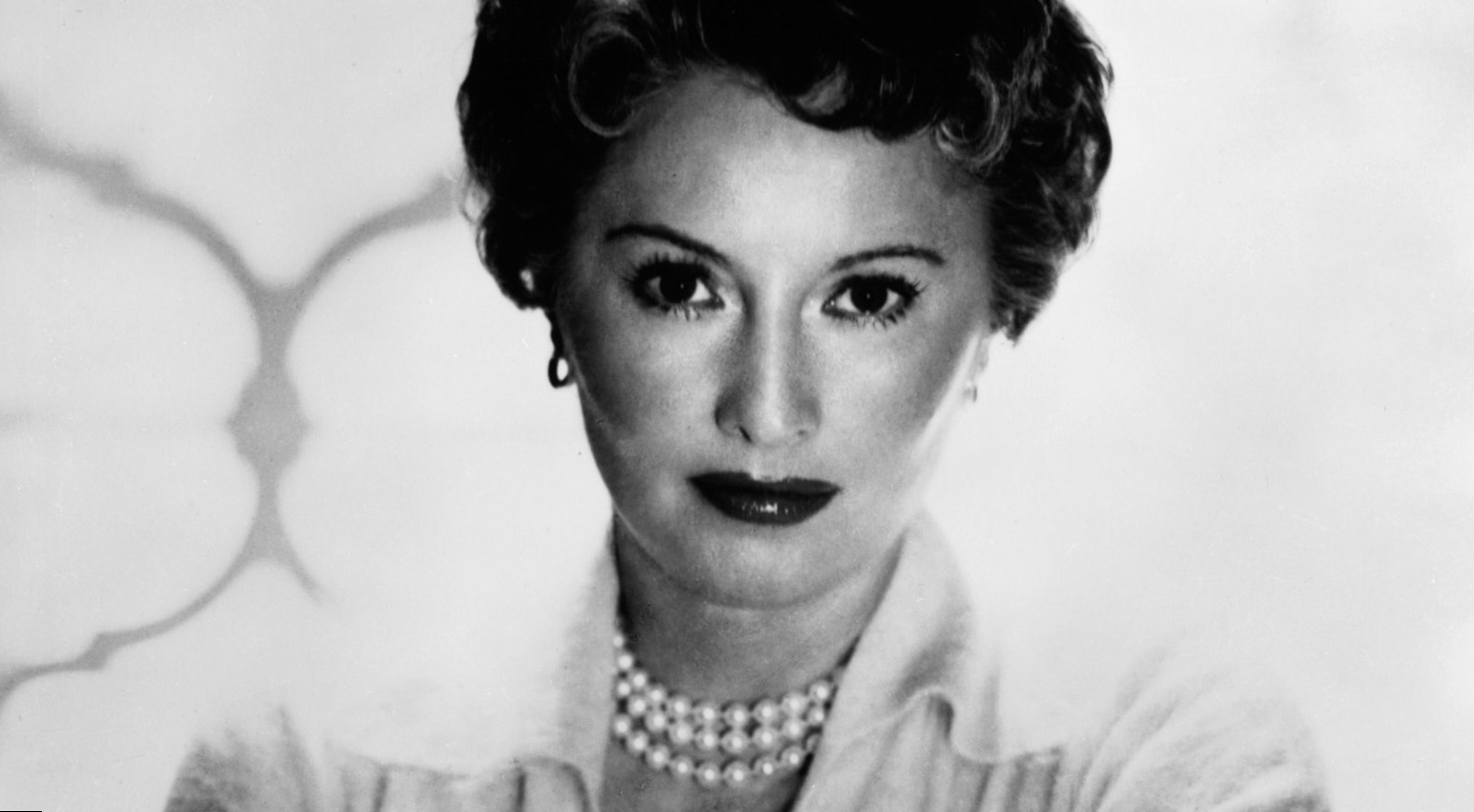 Barbara Stanwyck  Height, Weight and Body Measurements