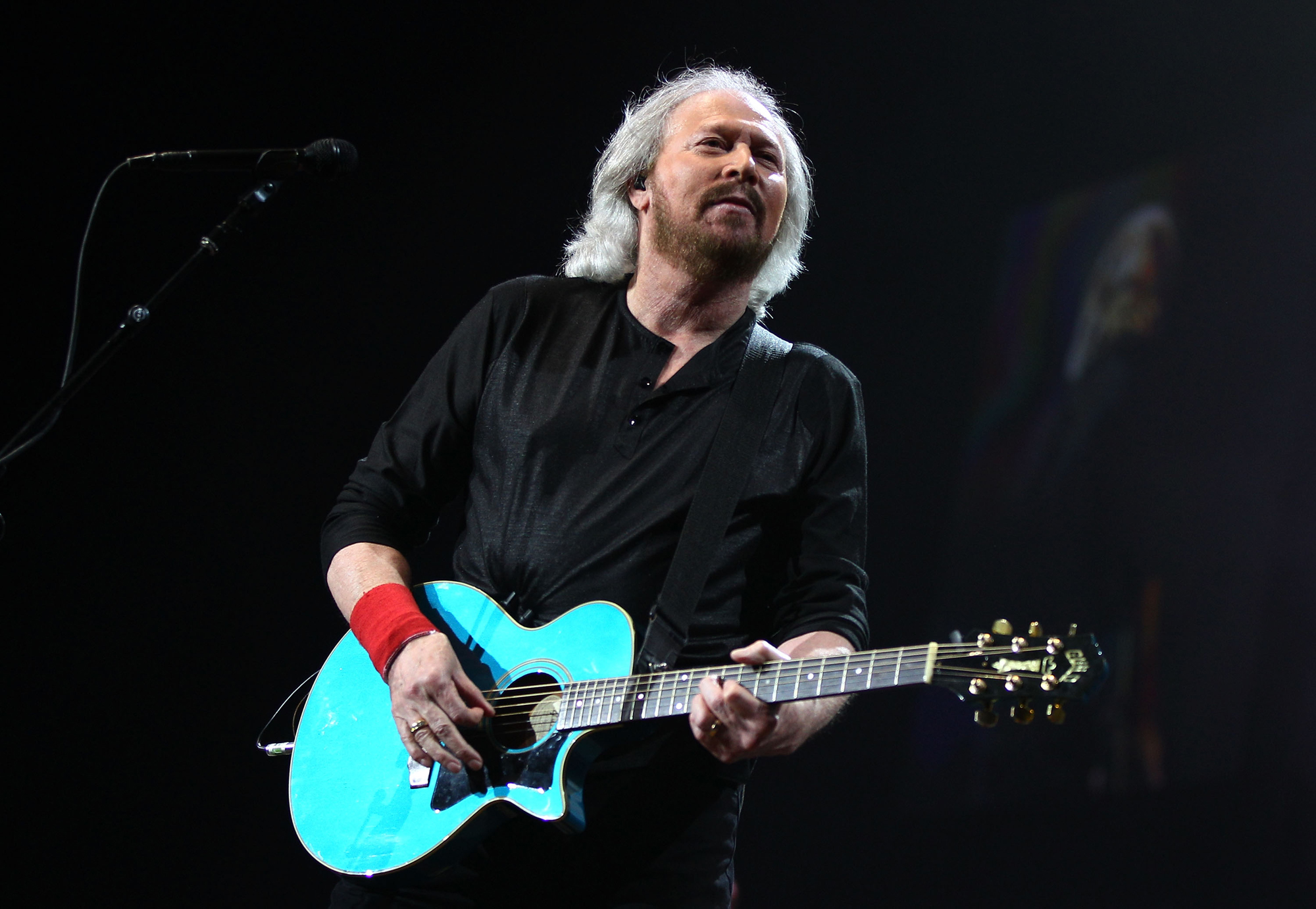 Barry Gibb Height, Weight and Body Measurements