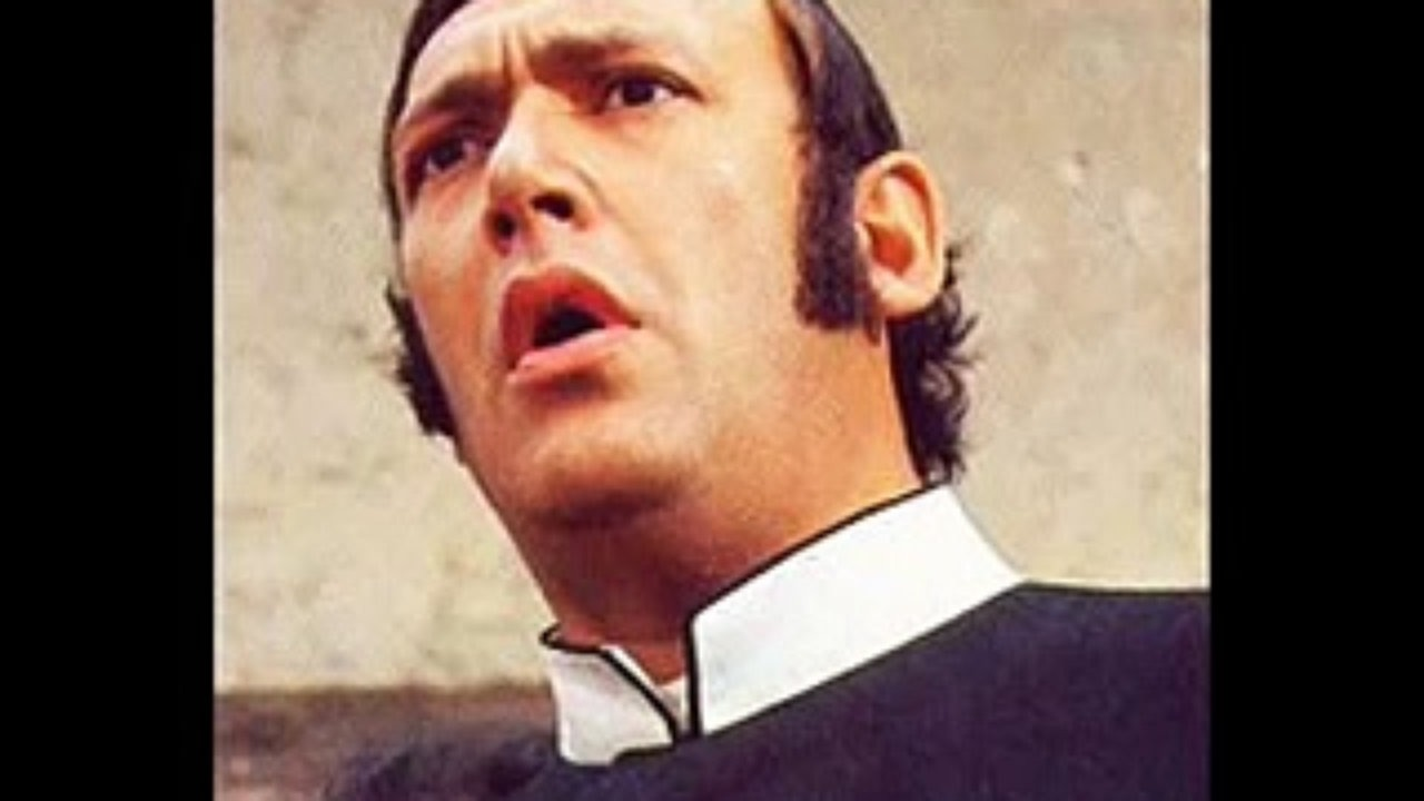 Bernard Bresslaw Height, Weight and Body Measurements