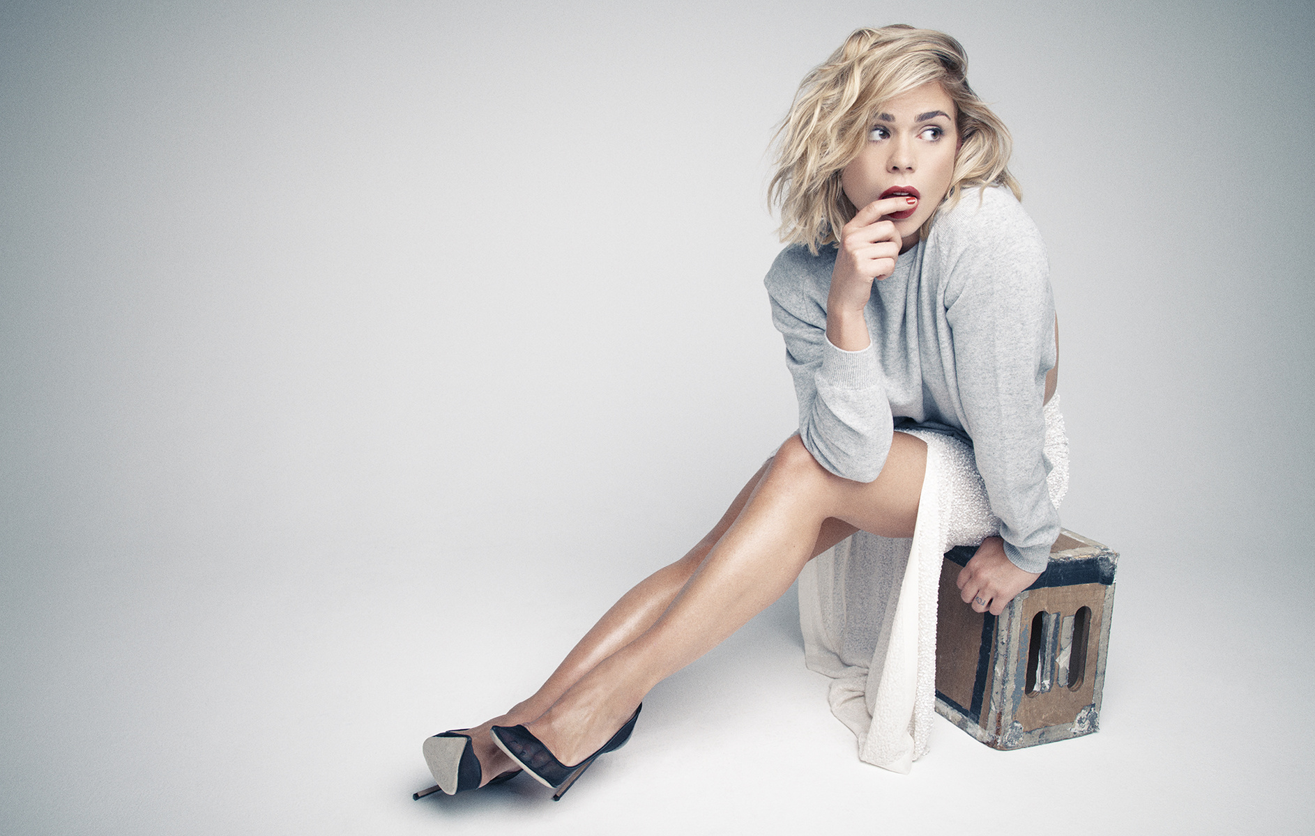 Billie Piper body measurements