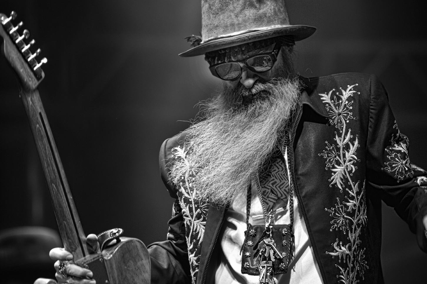 Billy Gibbons Height, Weight, Age and Body Measurements