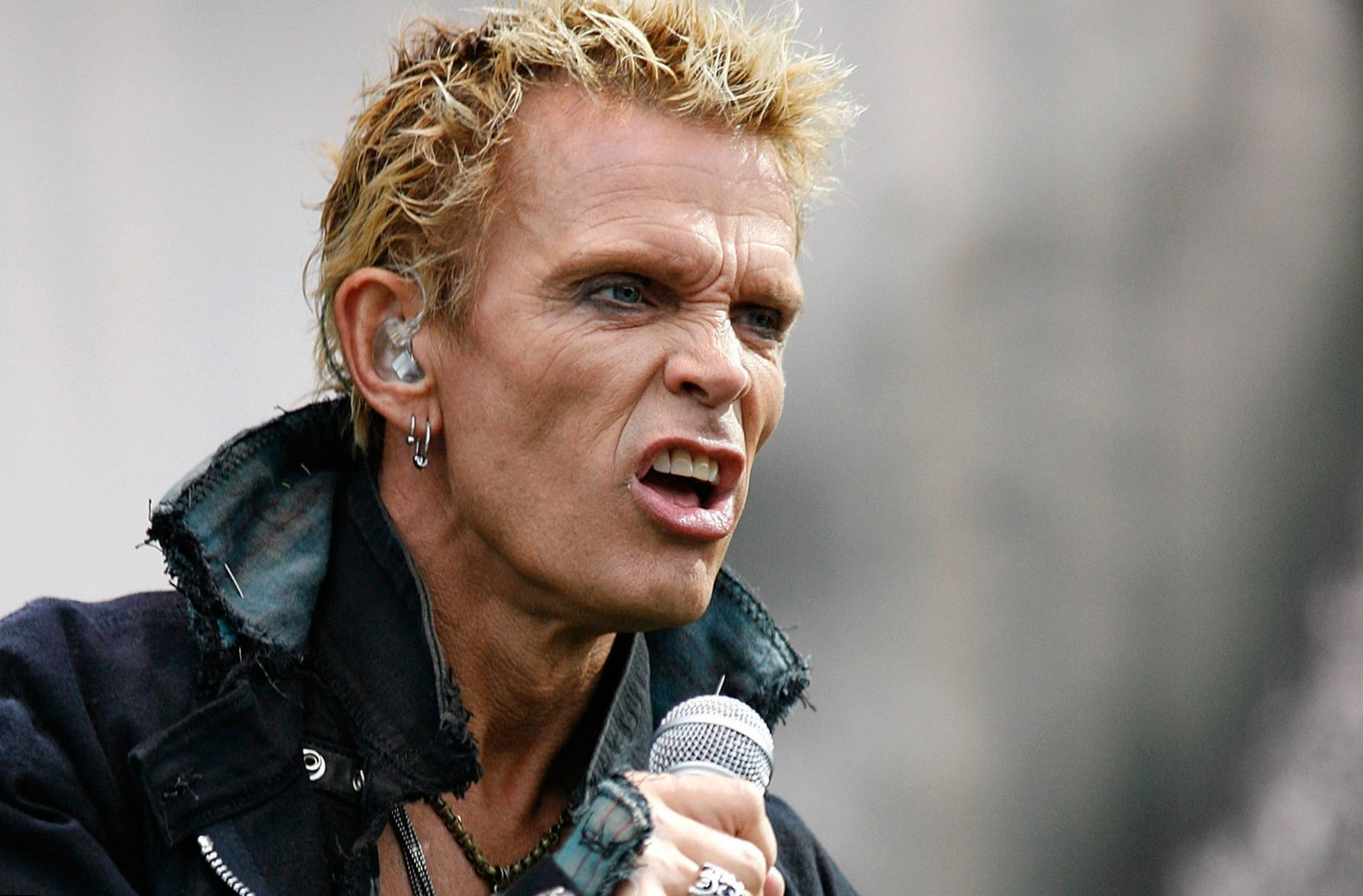 billy idol height weight age and body measurements. Black Bedroom Furniture Sets. Home Design Ideas
