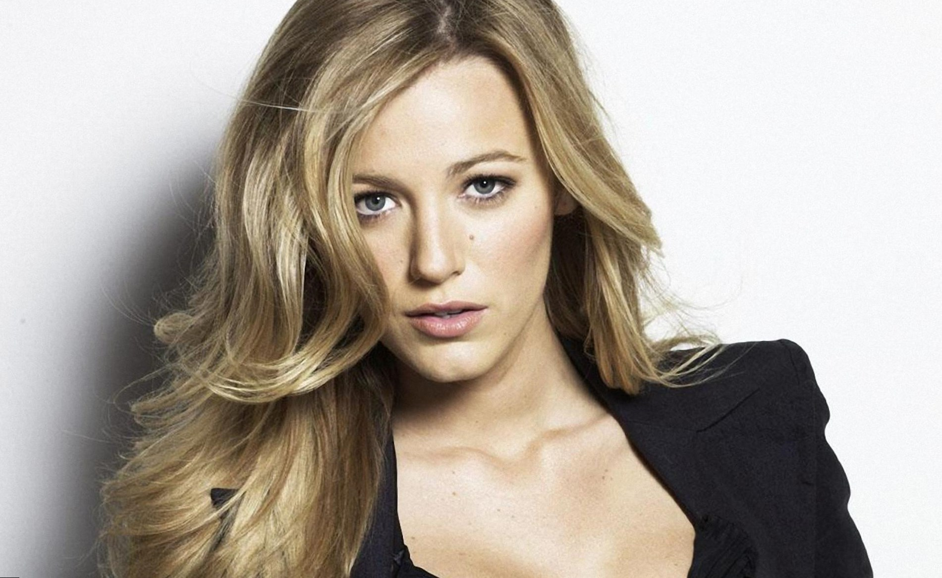 Blake Lively Height, Weight, Age and Body Measurements Blake Lively