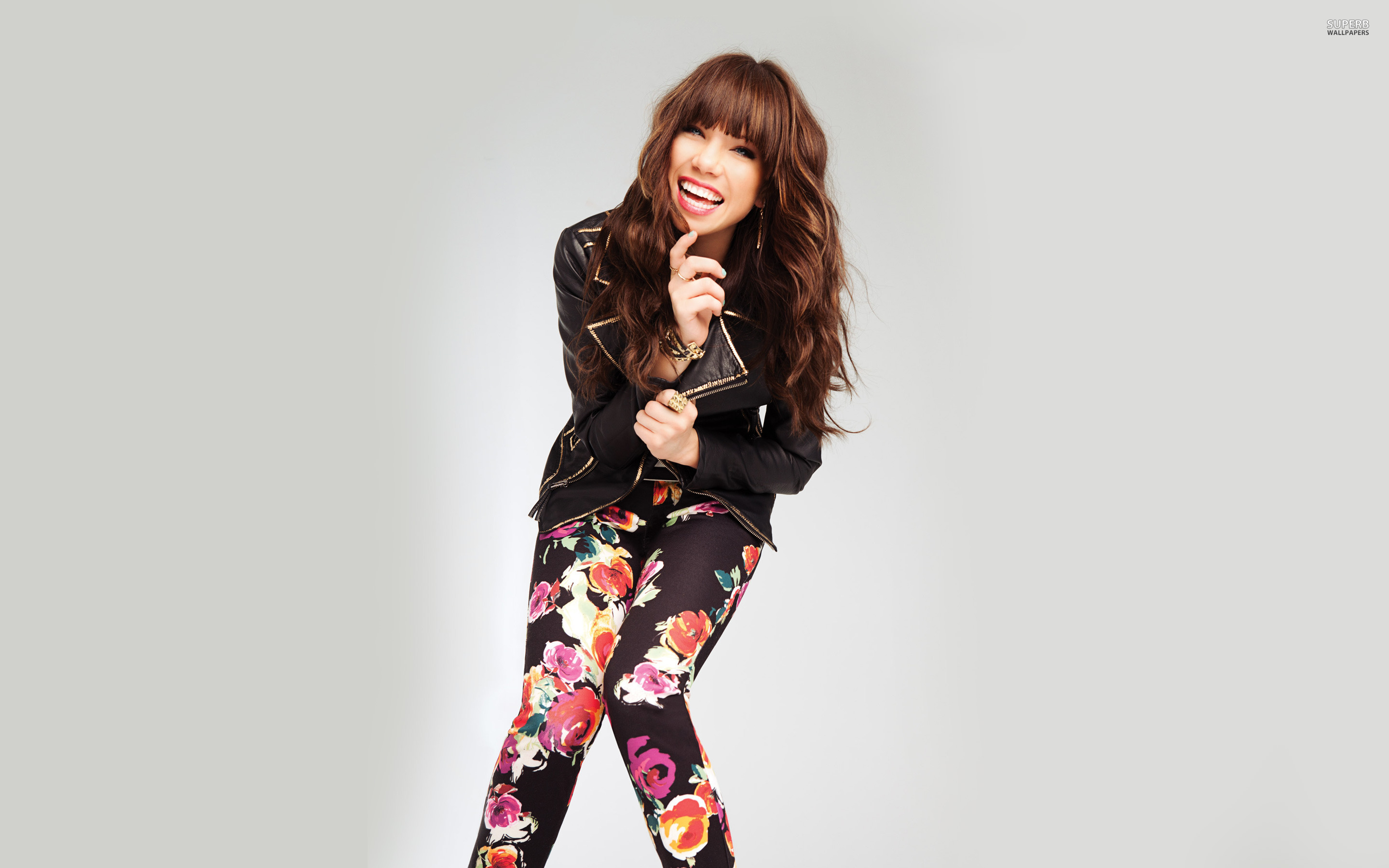 carly-rae-jepsen-s-body-measurements-3