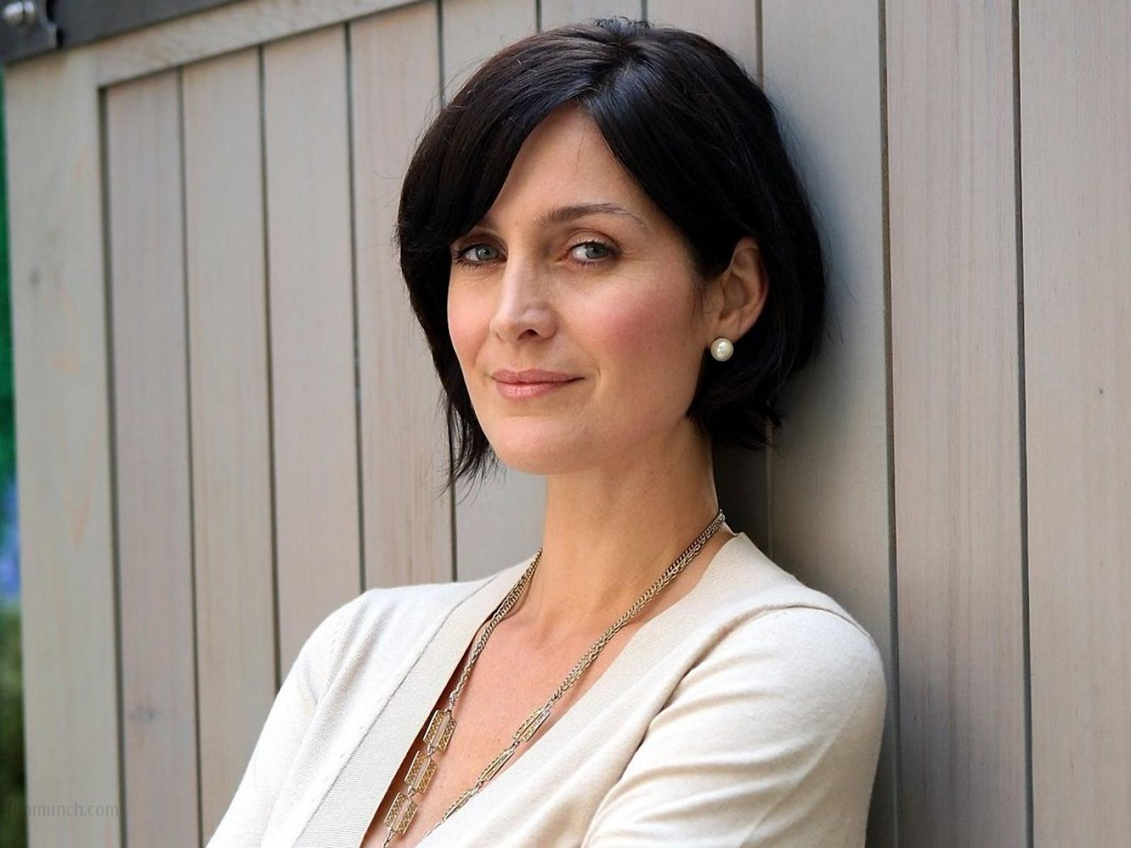 Carrie moss mp4 galleries 55