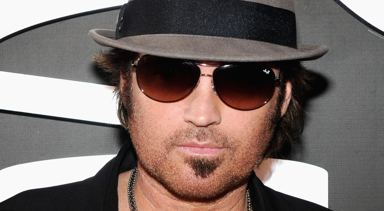 billy ray cyrus u0026 39  body measurements  height  weight  age