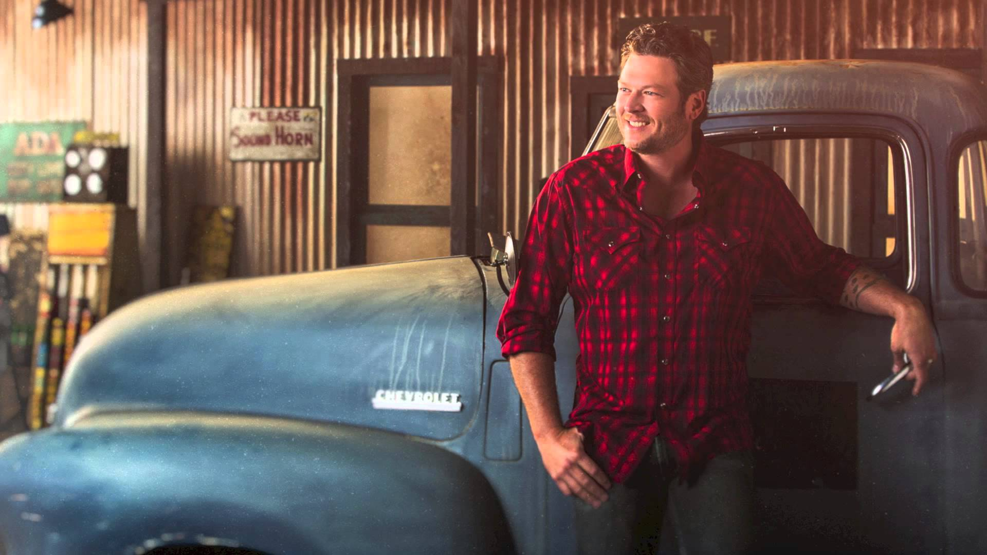 know-blake-shelton-s-height-weight-1