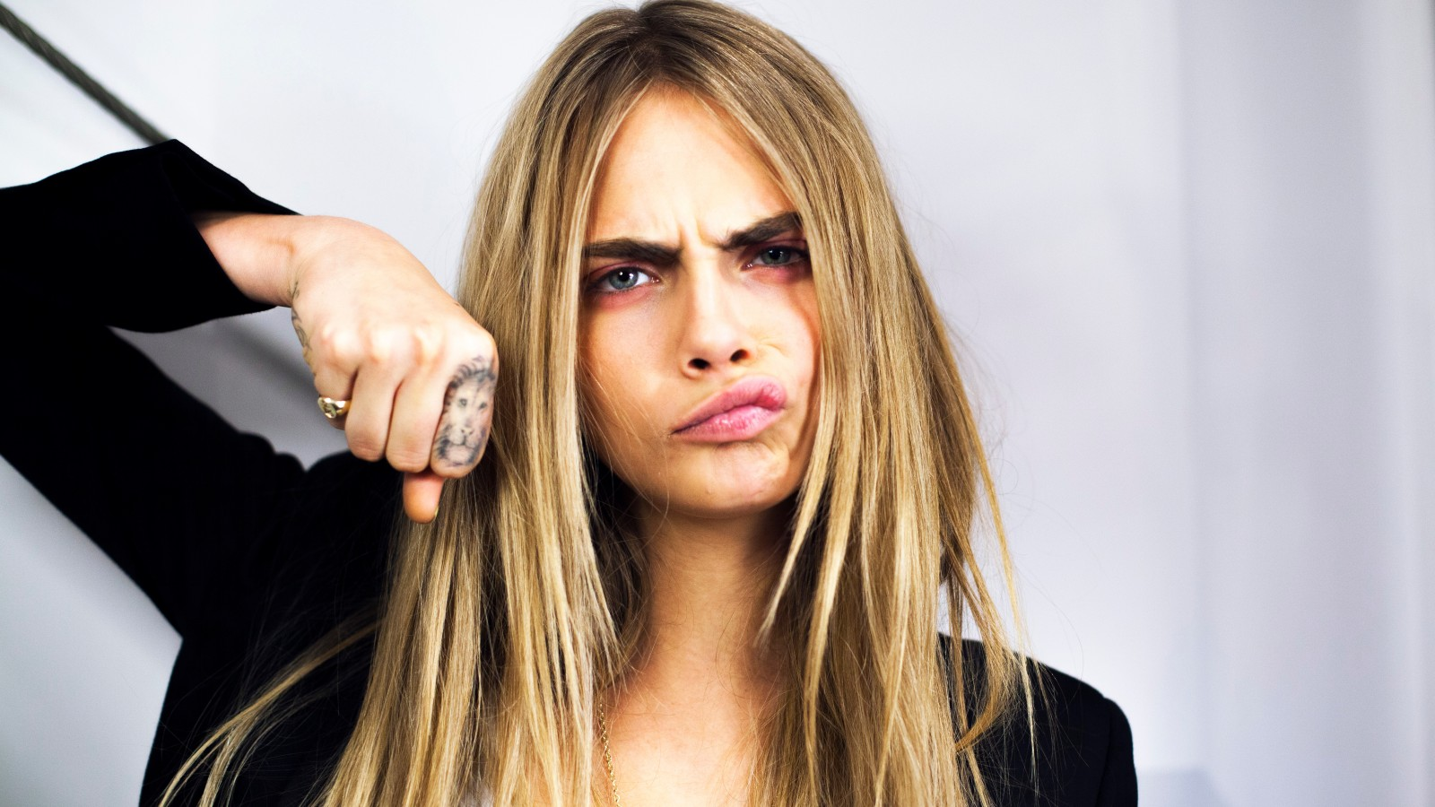 know-cara-delevingne-s-height-weight-1