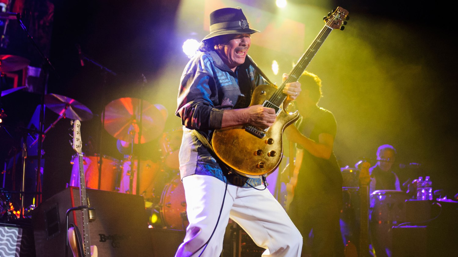 know-carlos-santana-singer-s-height-weight-2