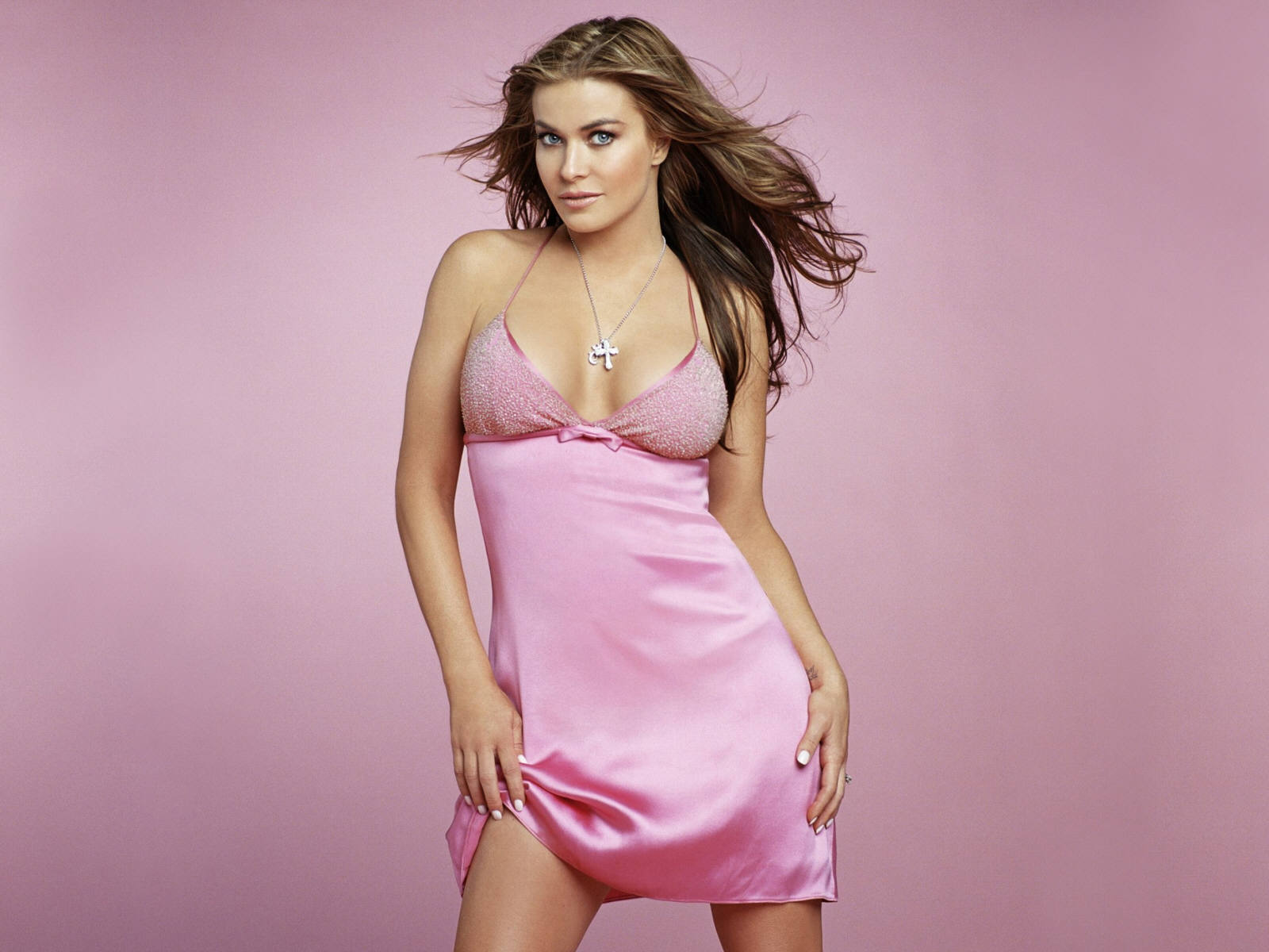 know-carmen-electra-s-height--1