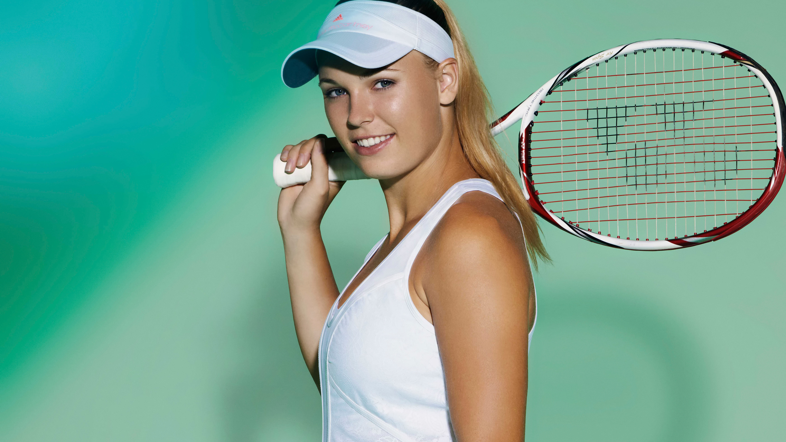 Caroline wozniacki 39 s body measurements height weight age for Model height