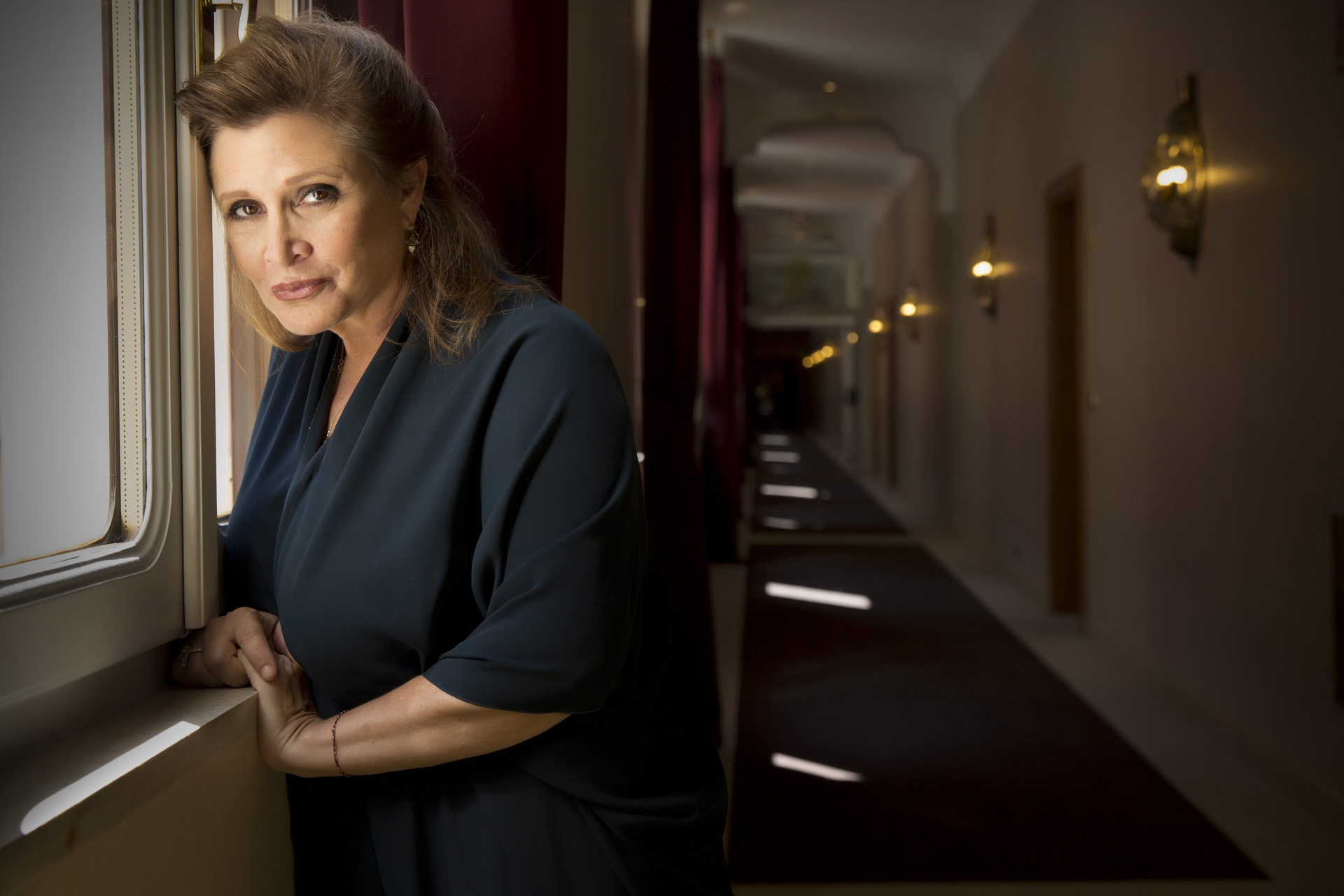 know-carrie-fisher-s-height-weight-3