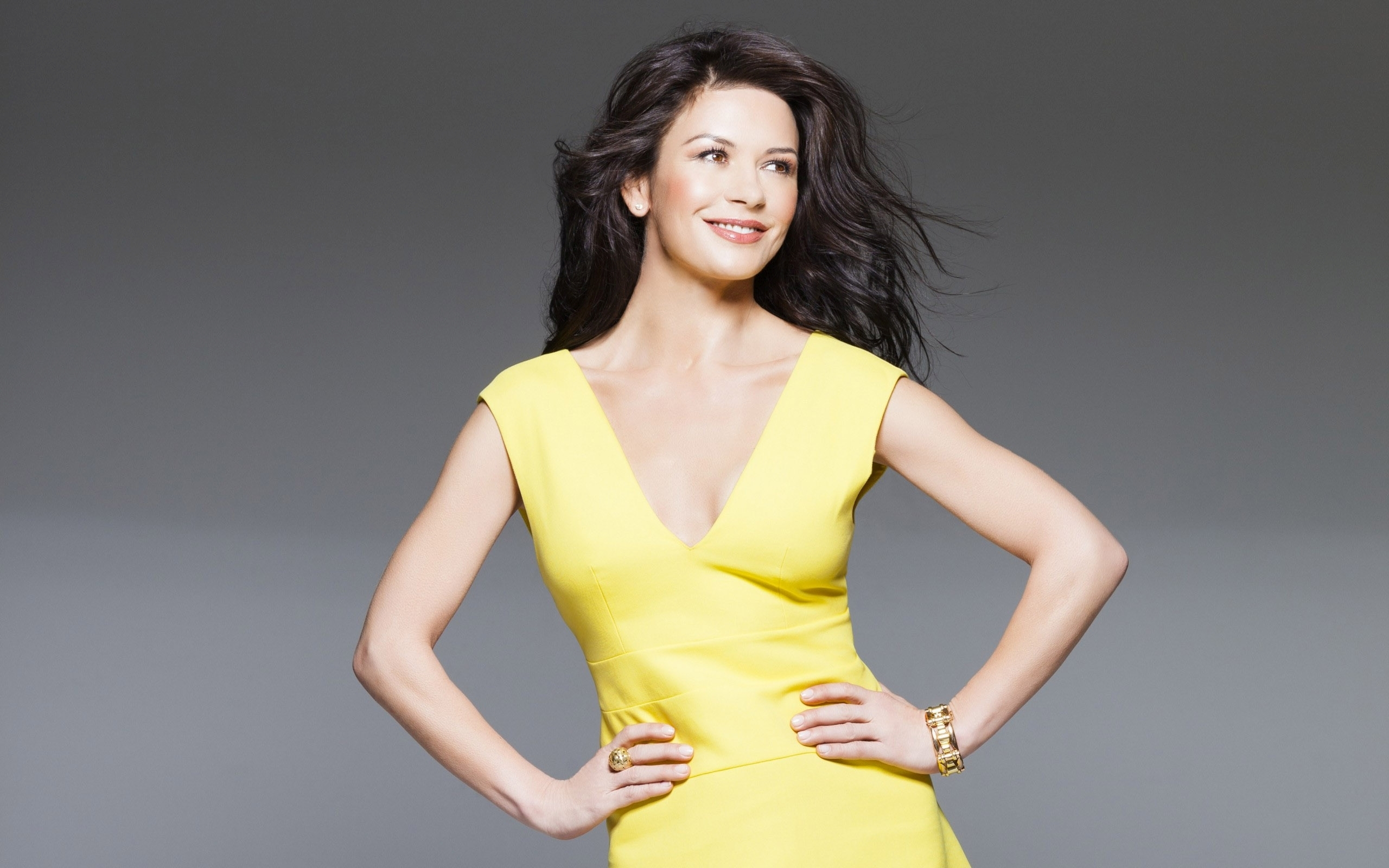 know-catherine-zeta-jones-s-height-weight-2
