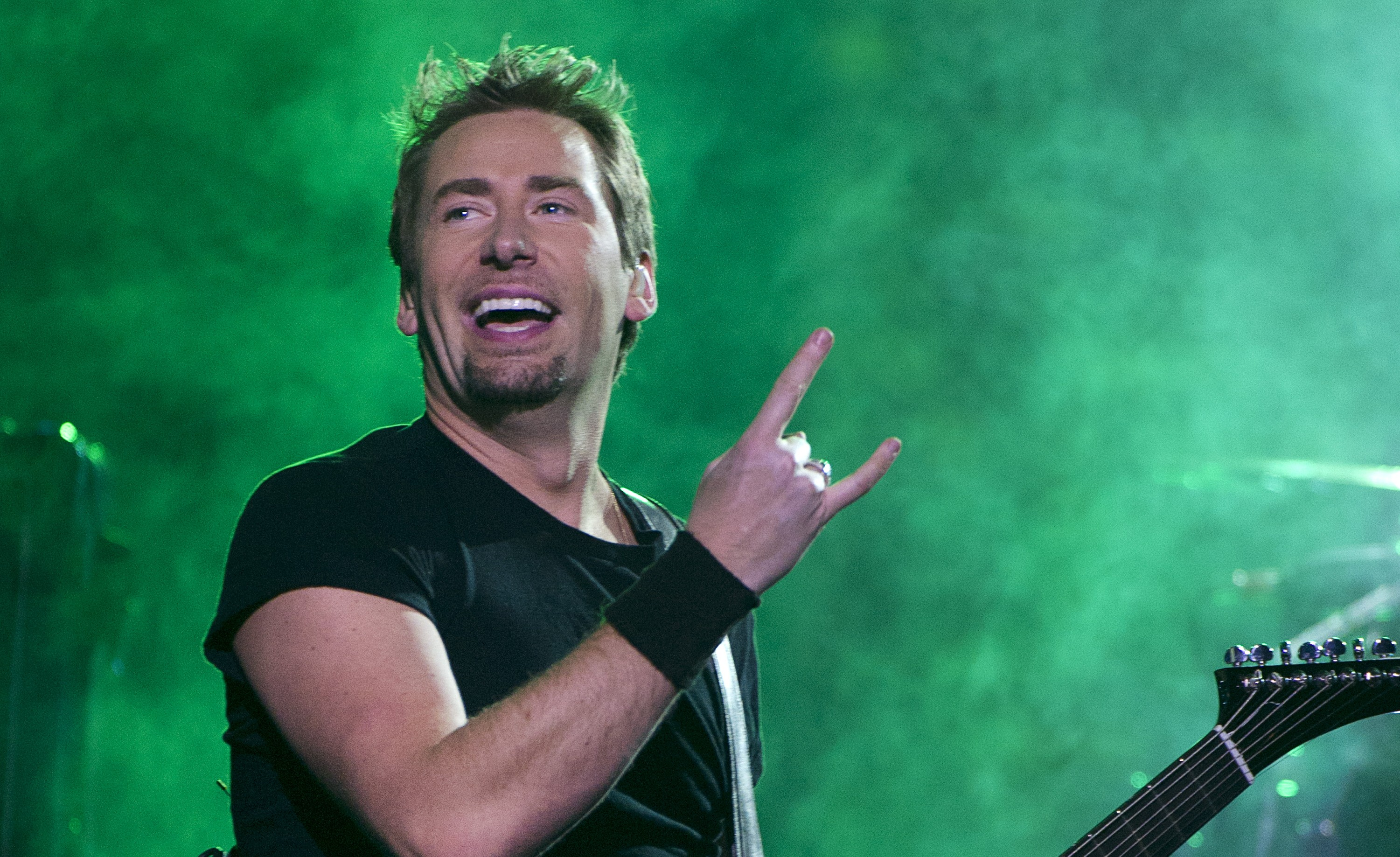 know-chad-kroeger-s-height-weight-3
