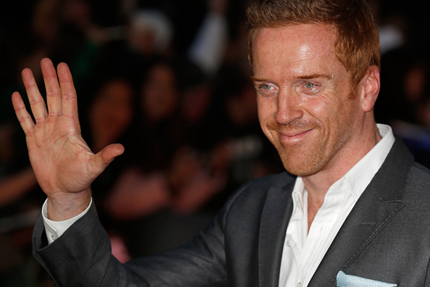 know-damian-lewis-s-height-weight-3
