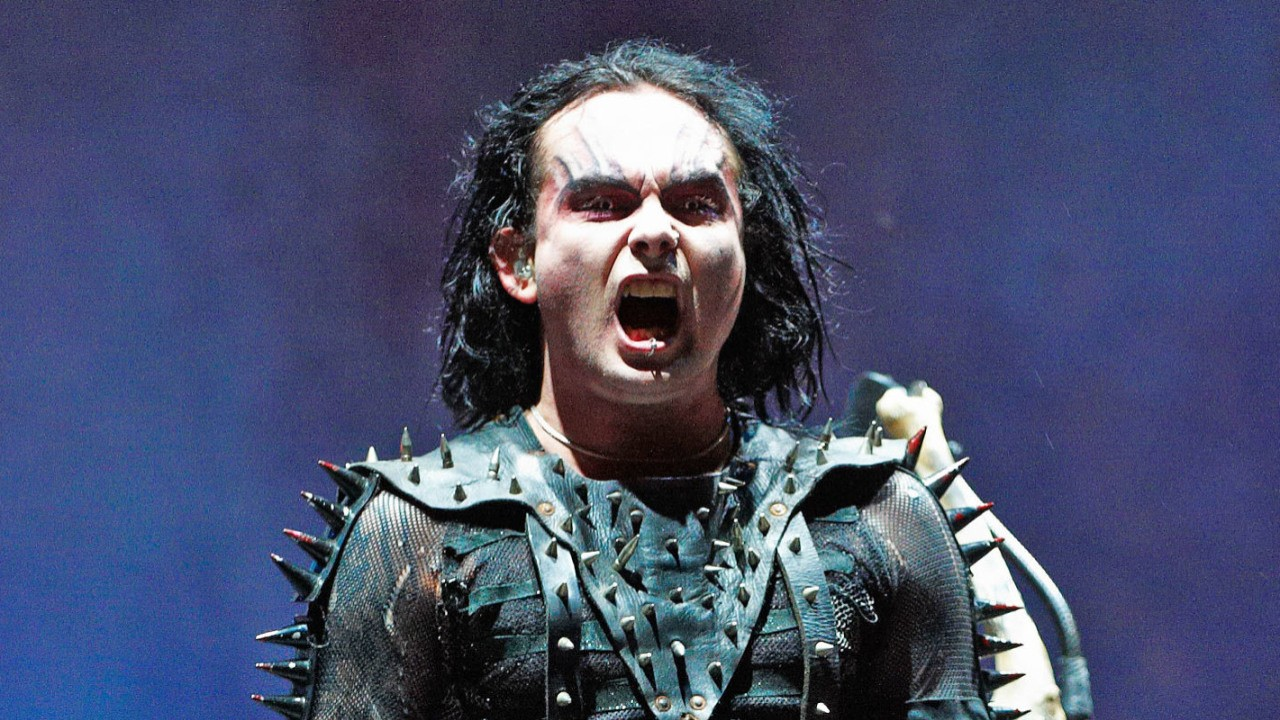 know-dani-filth-s-height-weight-2
