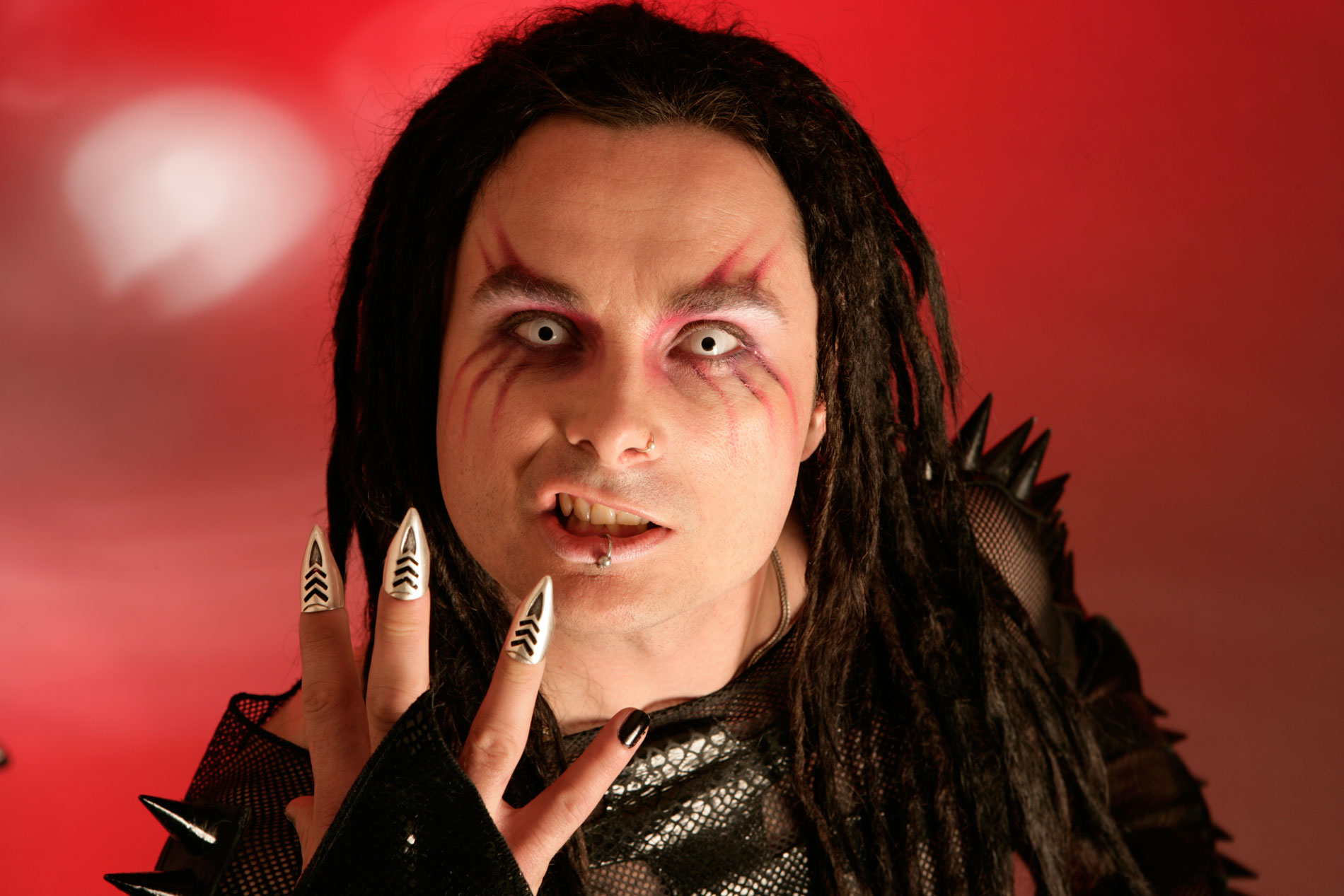 know-dani-filth-s-height-weight-3