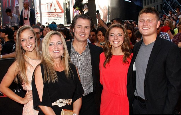 Brad Pitt`s siblings - brother Douglas Pitt with family