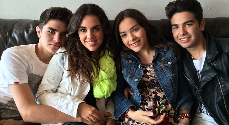 Angela Vazquez`s siblings - sister Paloma and brothers