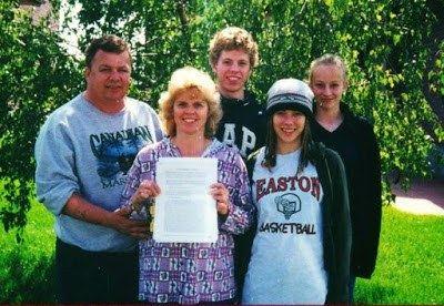 Avril Lavigne`s family