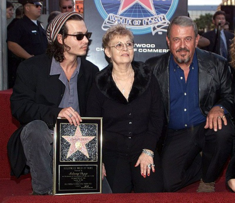 Johnny Depp`s with mother and father