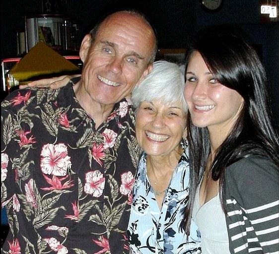 Amanda Bynes family - sister Jillian and parents