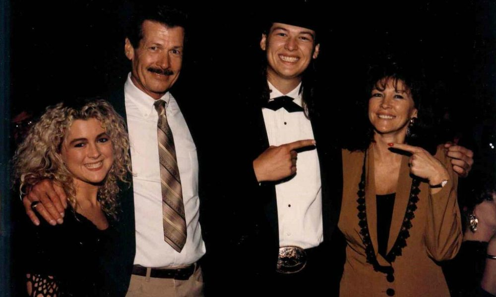 The Parents and Siblings to Blake Shelton, the King of Country Music