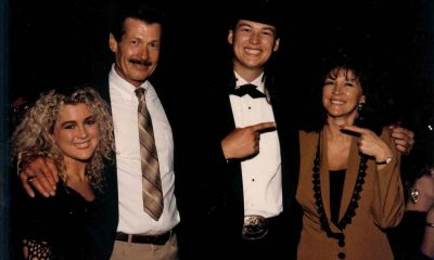 Blake Shelton`s family: parents and sister