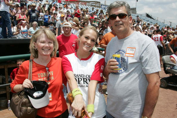 Carrie Underwood family - parents