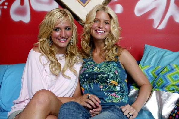 Jessica Simpson`s siblings - sister Ashlee Simpson
