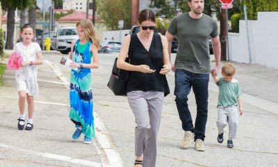 Ben Affleck with wife and children