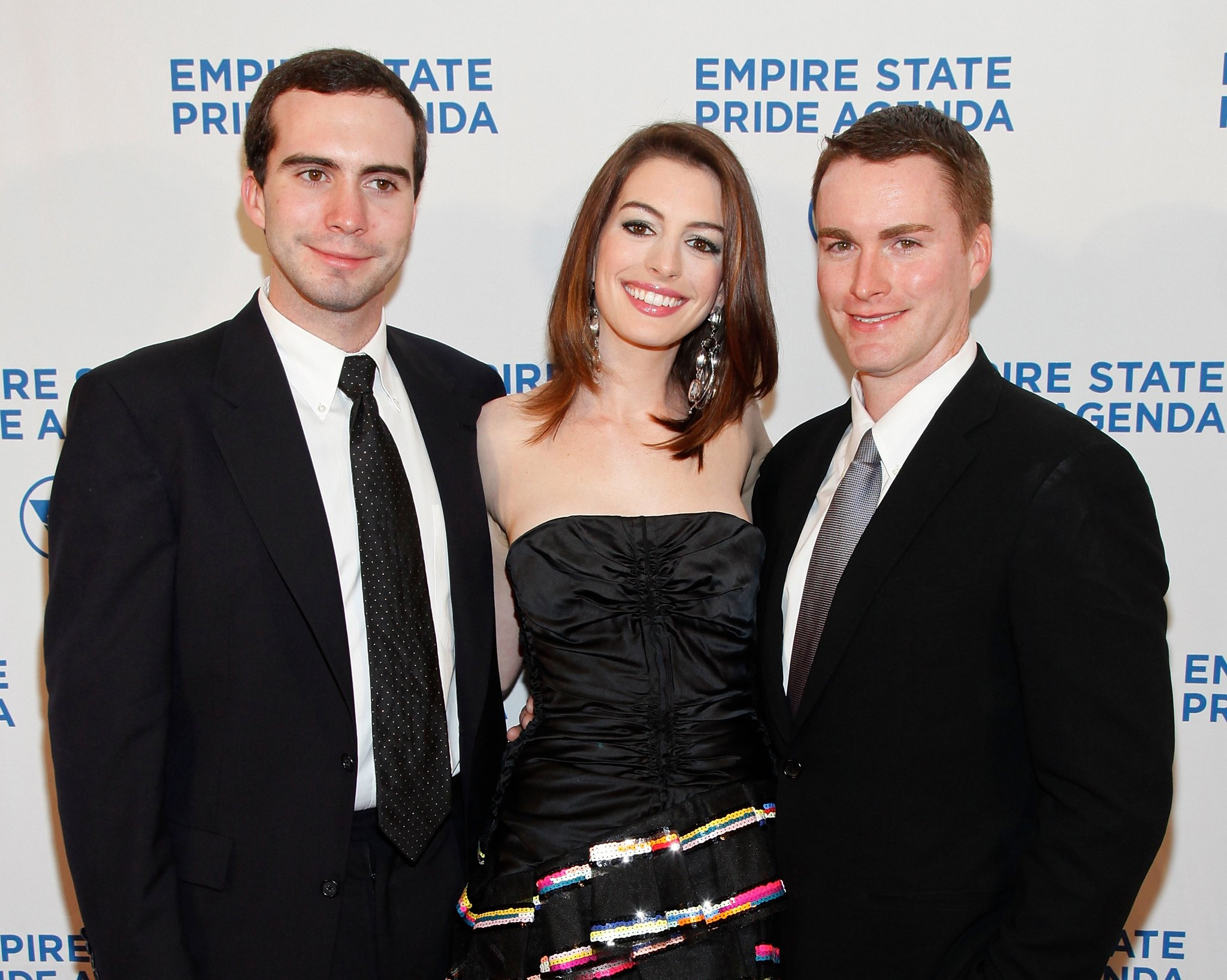 Anne Hathaway`s siblings - brothers