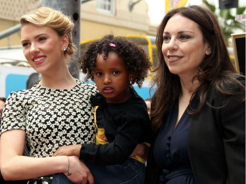 Scarlett Johansson's siblings - adopted sister Fenan Sloan
