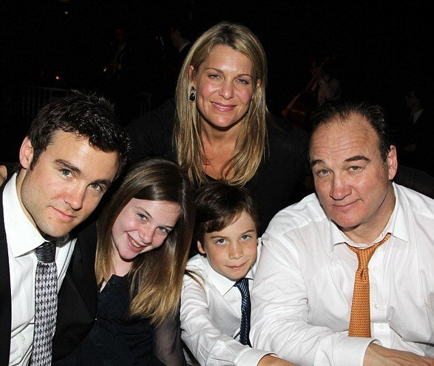 James Belushi's family: wife and kids