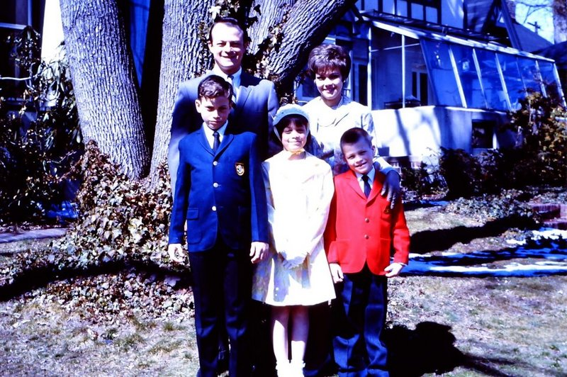 Gary Sinise's family - parents and siblings