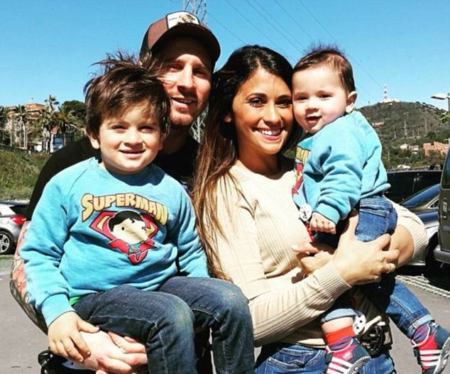 رونالدو همسرش در  Barcelona's all-time goal scorer Lionel Messi his ...