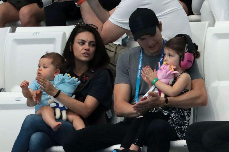 Ashton kutcher baby daughter
