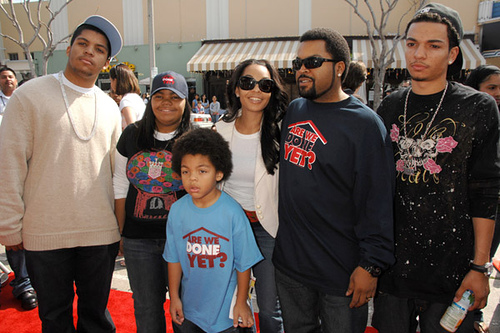 famous hip hop artist ice cube and his family have a look. Black Bedroom Furniture Sets. Home Design Ideas