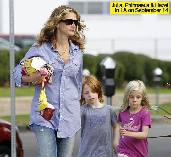 Julia Roberts' children - twins daughter Hazel and son Finn Moder