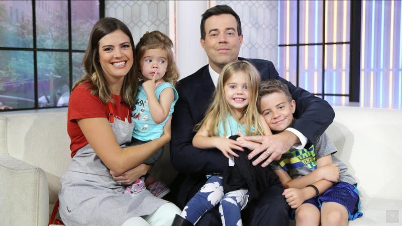 Foto de la família del(de la) Presentador de TV, enamorado de Siri Pinter, famoso por The Voice, Today Show, Miss Teen USA.