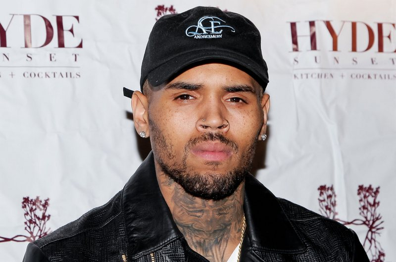 family life of renowned hip hop artist chris brown. Black Bedroom Furniture Sets. Home Design Ideas