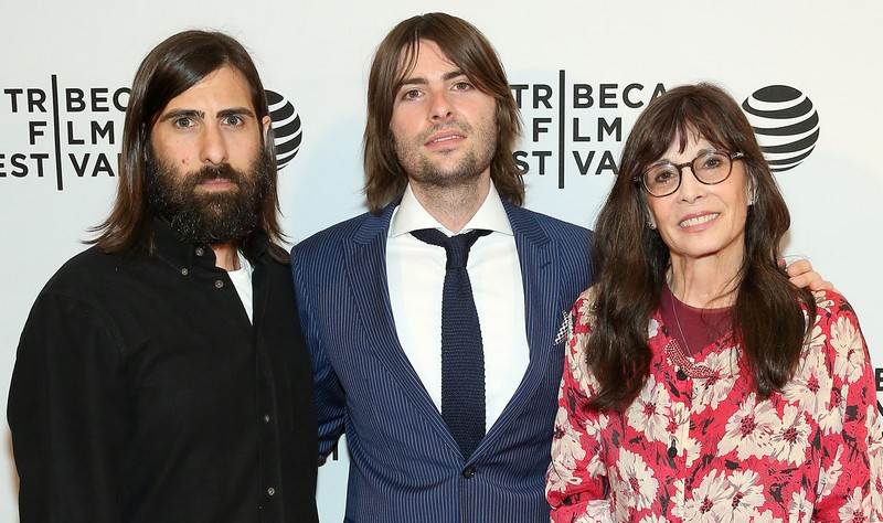 Jason Schwartzman's brother Robert Schwartzman and mother