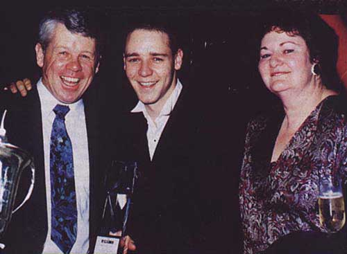 Russell Crowe's family - parents AlexCrowe and Jocelyn Crowe