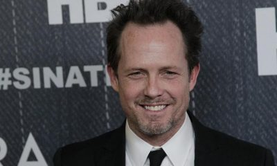 Dean Winters' family: mother, father, siblings, wife and kids